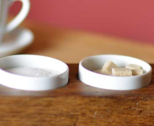 Nahaufnahme Menage aus Porzellan